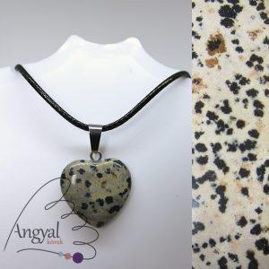 Kis szív alakú ásványmedál, dalmatajáspis