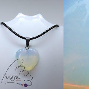 Kis szív alakú ásványmedál, opalit