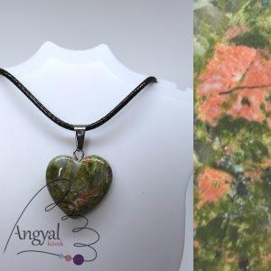 Kis szív alakú ásványmedál, unakit