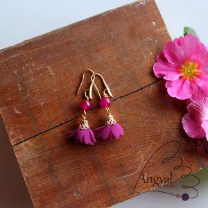 Virág alakú fülbevaló jáde ásvánnyal