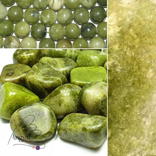 Vezuvianit / idokráz ásvány az AngyalKövek oldalán