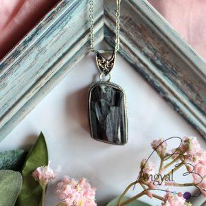 Sörl (fekete turmalin) ásvány medál ezüstözött foglalatban