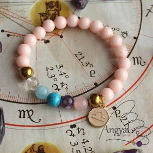 Horoszkópos ásvány karkötő Mérleg medállal