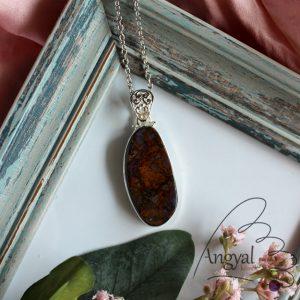 Boulder opál ásvány medál ezüstözött foglalatban