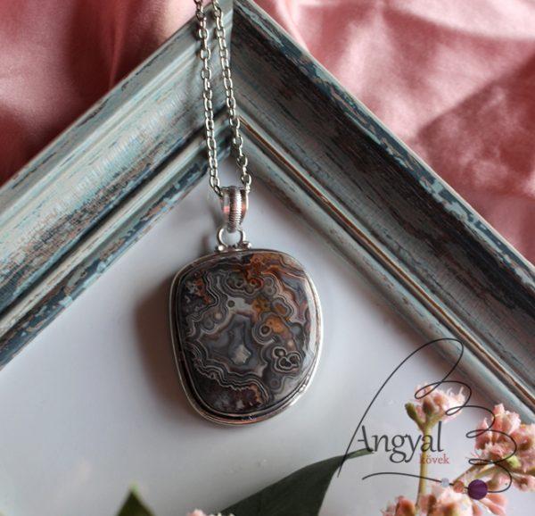 Crazy lace achát ásvány medál ezüstözött foglalatban